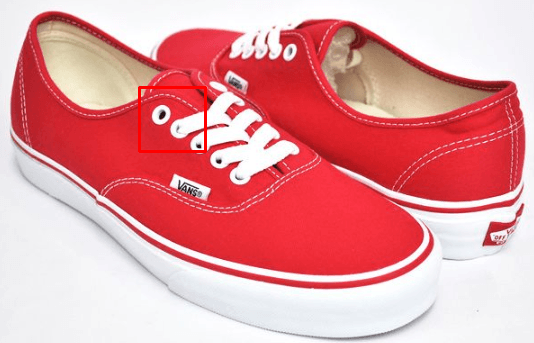 Шнурки на кроссовках VANS