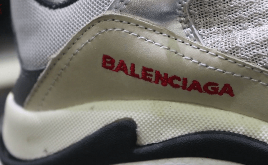 Balenciaga Triple S - как отличить подделку от оригинала