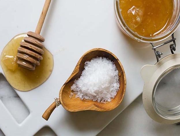 Проверка натуральности меда с помощью крахмала