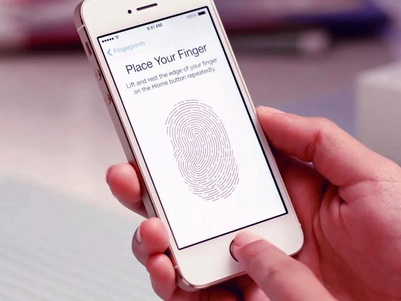 Отпечатки пальцев на оригинальном iPhone