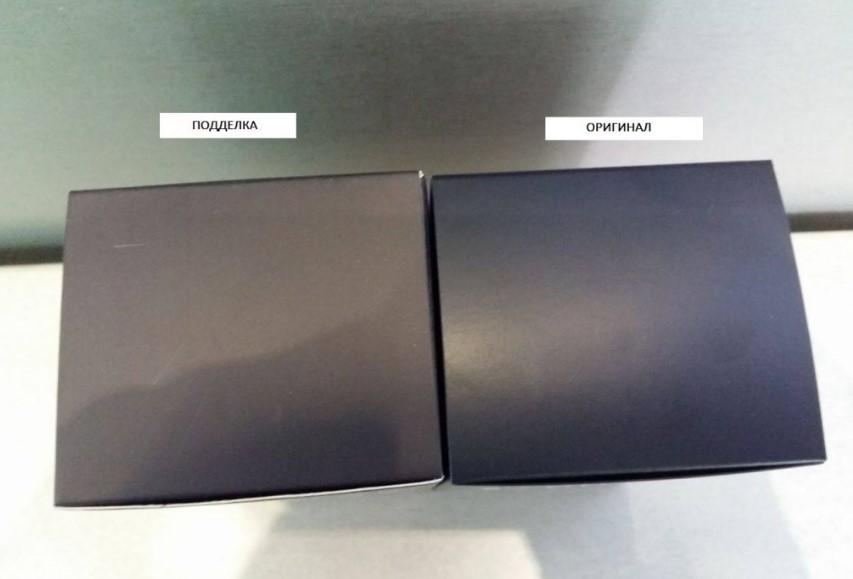 Сравнение цвета упаковки оригинального Dior и подделки