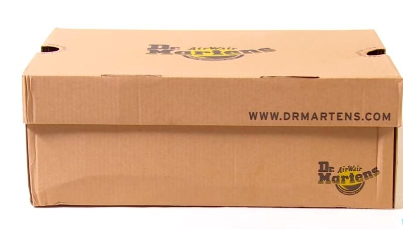 Коробка оригинальных Dr. Martens