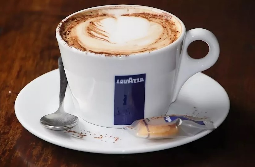 Кофе Лавацца в чашке