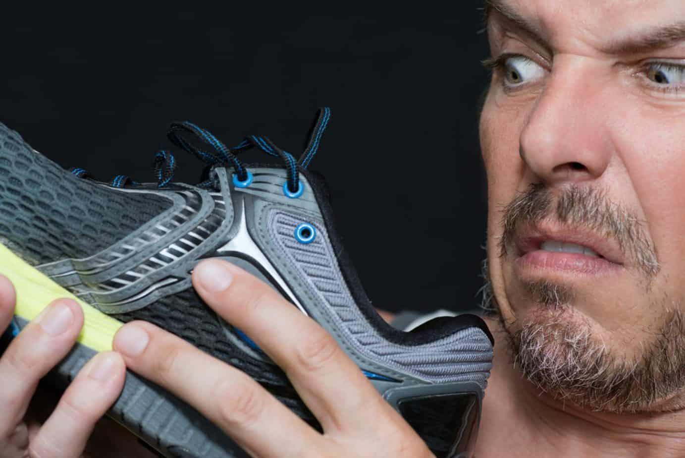 Запах поддельной обуви